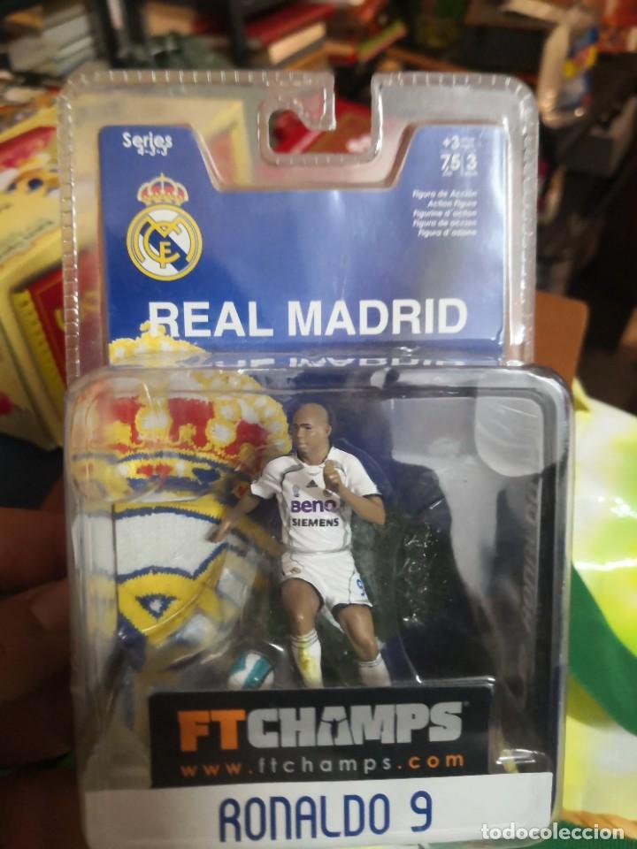 Coleccionismo deportivo: FTCHAMPS - RONALDO Nazario de Lima 9 - REAL MADRID - SERIE 4-3-3 - FIGURA DE 7.5 CM. BLISTER NUEVO! - Foto 3 - 207406430