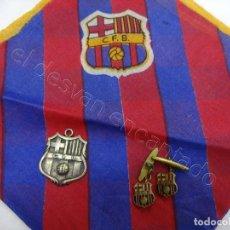 Coleccionismo deportivo: LOTE PAÑUELO + COLGANTE + GEMELOS. SIGLAS ORDEN B.C.F. FC BARCELONA.. Lote 207857581