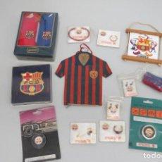Coleccionismo deportivo: LOTE FUTBOL CLUB BARCELONA - BARÇA - AÑOS 70 - CAMISETA CARAMELOS MAURI, PAÑUELOS BASILEA, BISUTERIA. Lote 208129710