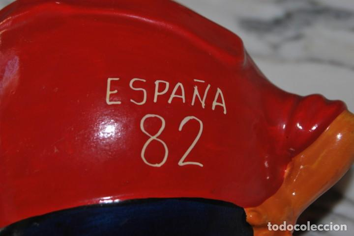 Coleccionismo deportivo: NARANJITO DE CERÁMICA - FIGURA - MASCOTA MUNDIAL DE FÚTBOL 1982 - ESPAÑA 82 - Foto 10 - 209296993