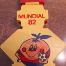 Coleccionismo deportivo: APLAUDE GOL NARANJITO MUNDIAL 82. COMO NUEVO. Lote 210364320