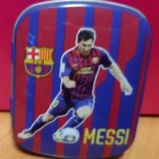 Coleccionismo deportivo: CAJA METALICA VACIA FCB 10 MESSI. Lote 210555233