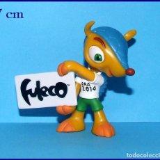 Coleccionismo deportivo: FULECO MASCOTA DEL MUNDIAL DE FUTBOL BRASIL 2014 FIGURA EN PVC. Lote 210657214