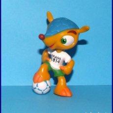 Coleccionismo deportivo: FULECO MASCOTA DEL MUNDIAL DE FUTBOL BRASIL 2014 FIGURA EN PVC. Lote 210657321