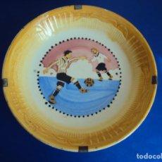 Coleccionismo deportivo: (F-200714)ANTIGUO PLATO ESCENA DE FOOT-BALL. Lote 210958105