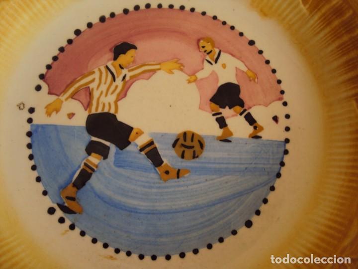 Coleccionismo deportivo: (F-200714)ANTIGUO PLATO ESCENA DE FOOT-BALL - Foto 2 - 210958105