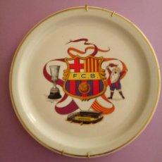 Coleccionismo deportivo: PLATO CERÁMICA F.C. BARCELONA - RECUERDO TROFEO BARÇA 1902 - 25 CMS. Lote 212181165