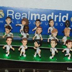 Coleccionismo deportivo: FIGURAS JUGADORES REAL MADRID 2000/01 (R.CARLOS, HIERRO, RAÚL, FIGO, CASILLAS, ETC.). DIARIO AS. Lote 213973672