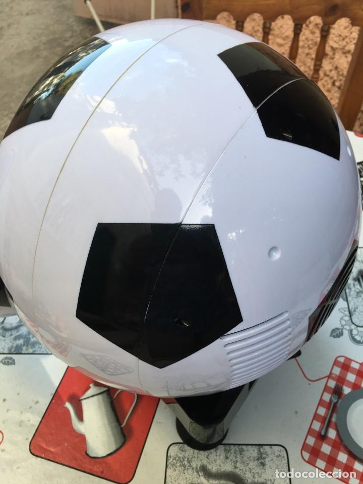 Coleccionismo deportivo: Nevera Pelota Fútbol - Frio y Calor - Sin Estrenar - Foto 5 - 213996731