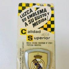 Coleccionismo deportivo: EMBLEMA REAL MADRID RARO ESCUDO AÑOS 60 - CALIDAD SUPERIOR. Lote 214000856