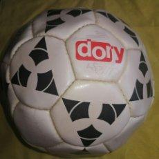 Coleccionismo deportivo: BALON LIGA FUTBOL 1996-1997. FIRMDO JUGADORES REAL MADRID. ENVIO CERTIFICADO INCLUIDO.. Lote 215792596