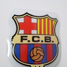 Coleccionismo deportivo: ESCUDO DEL BARCELONA FCB, EN CRISTAL CURVADO. Lote 217034817
