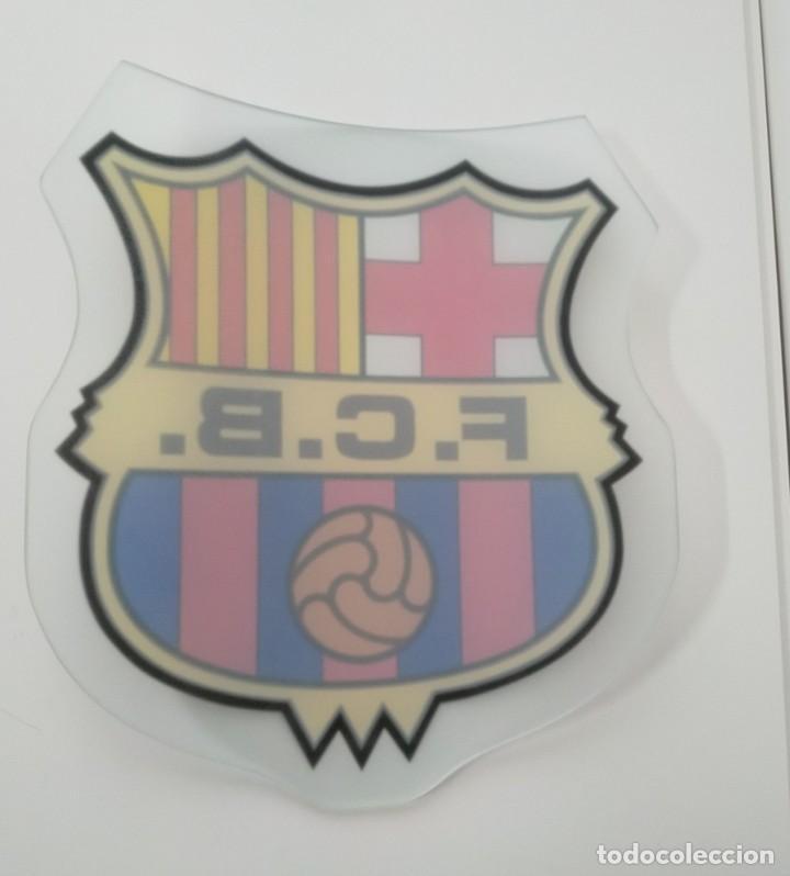 Coleccionismo deportivo: ESCUDO DEL BARCELONA FCB, EN CRISTAL CURVADO - Foto 2 - 217034817
