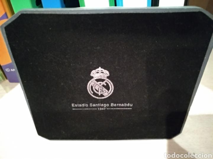 Coleccionismo deportivo: Maqueta Estadio Santiago Bernabéu, bien conservada. - Foto 7 - 218210518