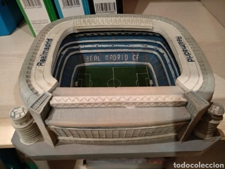 MAQUETA ESTADIO SANTIAGO BERNABÉU, BIEN CONSERVADA. (Coleccionismo Deportivo - Merchandising y Mascotas - Futbol)