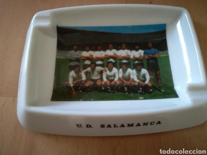 U. D. SALAMANCA. TEMPORADA 72-73. ASCENSO A 1 DIVISIÓN. ANTIGUO CENICERO. (Coleccionismo Deportivo - Merchandising y Mascotas - Futbol)