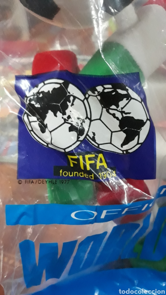 Coleccionismo deportivo: Figura Ciao italia 90 mascota oficial mundial de futbol 36 unidades - Foto 2 - 220443096