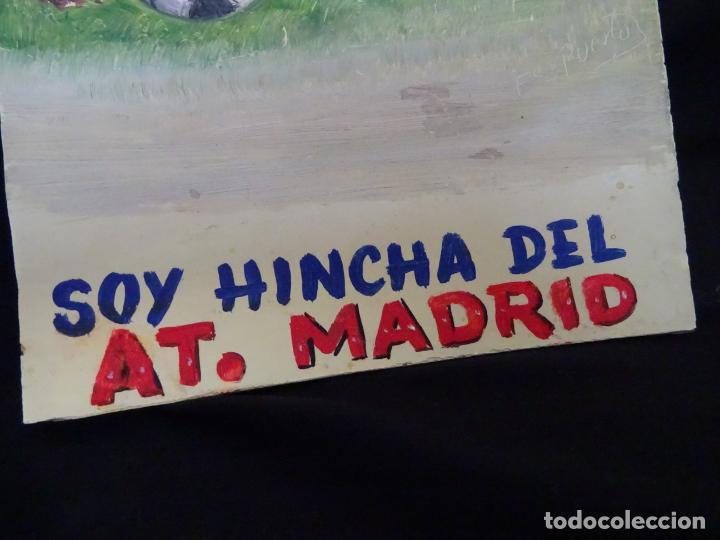 Coleccionismo deportivo: pintado al oleo y firmado.atletico madrid, años 1960.cromo futbol - Foto 4 - 221152338