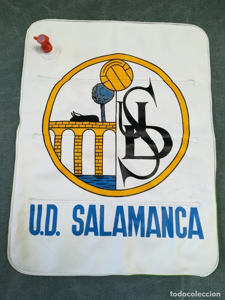 ALMOHADILLA HINCHABLE PARA IR AL FUTBOL - U. D. SALAMANCA (Coleccionismo Deportivo - Merchandising y Mascotas - Futbol)