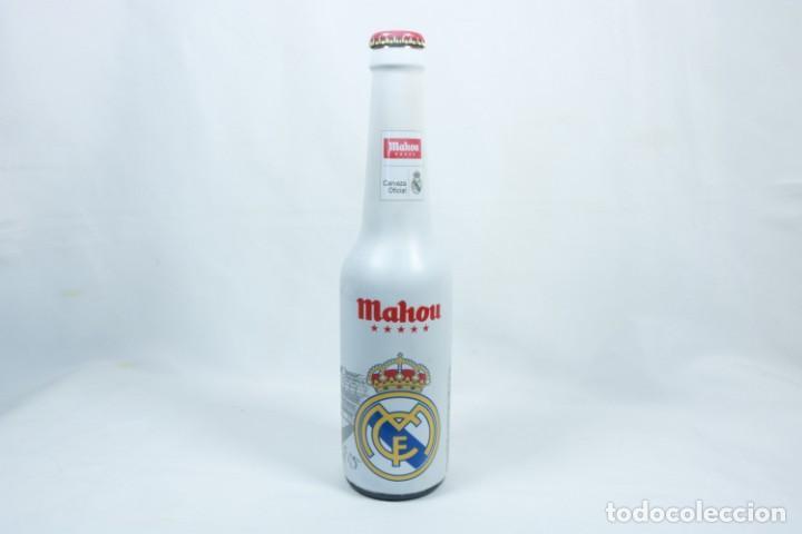 Coleccionismo deportivo: Lote de cerveza y cenicero del Real Madrid CF - Foto 2 - 224133460