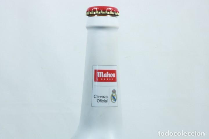 Coleccionismo deportivo: Lote de cerveza y cenicero del Real Madrid CF - Foto 8 - 224133460