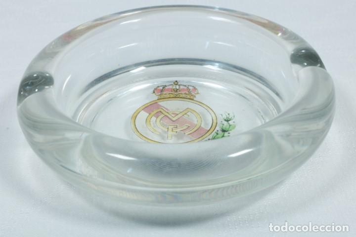 Coleccionismo deportivo: Lote de cerveza y cenicero del Real Madrid CF - Foto 14 - 224133460