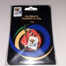 Collectionnisme sportif: PIN OFICIAL MUNDIAL FUTBOL SUDAFRICA 2010 ESPAÑA CAMPEONES ZAKUMI. Lote 230921080