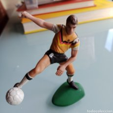 Coleccionismo deportivo: FIGURITA DE PLÁSTICO LOTHAR MATTHAUS (ALEMANIA) 1988 10 CMS. Lote 236504970