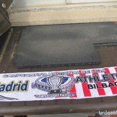 Coleccionismo deportivo: BUFANDA REAL MADRID ATHLETIC DE BILBAO CAMPEONATO DE LIGA SANTIAGO BERNABEU AÑOS 90. Lote 244196990