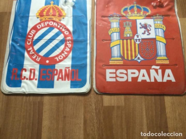 Coleccionismo deportivo: ALMOHADILLA HINCHABLE. REAL CLUB DEPORTIVO ESPAÑOL Y SELECCION ESPAÑOLA FUTBOL RETRO ESPANYOL SARRIA - Foto 3 - 245539655