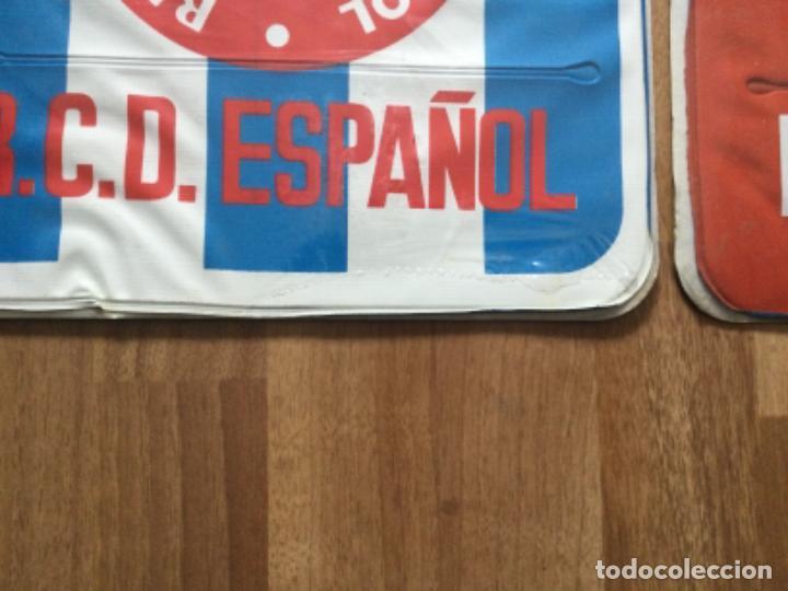 Coleccionismo deportivo: ALMOHADILLA HINCHABLE. REAL CLUB DEPORTIVO ESPAÑOL Y SELECCION ESPAÑOLA FUTBOL RETRO ESPANYOL SARRIA - Foto 4 - 245539655