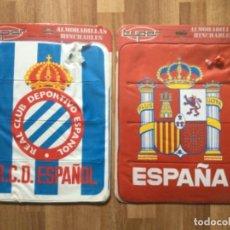 Coleccionismo deportivo: ALMOHADILLA HINCHABLE. REAL CLUB DEPORTIVO ESPAÑOL Y SELECCION ESPAÑOLA FUTBOL RETRO ESPANYOL SARRIA. Lote 245539655