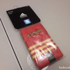 Coleccionismo deportivo: MUÑEQUERA ESPAÑA UEFA EURO 2012 EUROCOPA FINAL SELECCIÓN ADIDAS. Lote 246367295