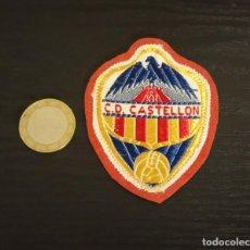 Coleccionismo deportivo: -ESCUDO ANTIGUO DE FUTBOL DE TELA : ESCUDO DEL CASTELLON. Lote 250270820