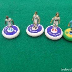 Collezionismo sportivo: LOTE DE 4 FIGURAS PEQUEÑAS DE FÚTBOL CON PEANAS: 3 JUGADORES REAL MADRID Y 1 SELECCIÓN BRASIL.. Lote 252743865