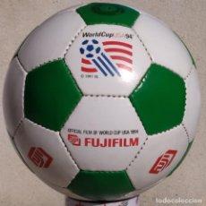 Coleccionismo deportivo: ¡ÚNICA! PELOTA - BALÓN PROMOCIONAL MUNDIAL DE FÚTBOL USA 1994 - STRIKER, FUJI, TALLA 5 COSIDA A MANO. Lote 253090935