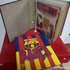 Coleccionismo deportivo: F.C. BARCELONA 2 ARCHIVADORES CON COLECCIONISMO DEL CLUB VER FOTOS. Lote 262731500