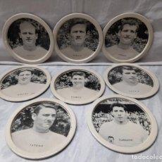 Coleccionismo deportivo: 8 POSAVASOS VALENCIA C.F.AÑOS 60 PUBLICIDAD CERVEZA FAMILIAR EL CIERVO. Lote 265446999