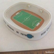 Coleccionismo deportivo: ANTIGUO CENICERO, CAMPEONATO MUNDIAL DE FUTBOL. SEDE OVIEDO. ESPAÑA 1982. ESTADIO FUTBOL.. Lote 267478064