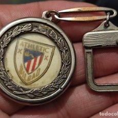 Coleccionismo deportivo: BILBAO ATH FUTBOL LLAVERO VINTAGE ANTIGUO ORIGINAL 3,5 CMS APROX DESGASTADO. Lote 267895784