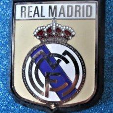 Coleccionismo deportivo: ANTIGUA PLACA DE METAL DEL REAL MADRID. Lote 269040728