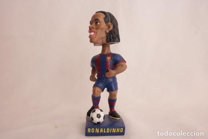 FIGURA DE RONALDINHO QUE MUEVE LA CABEZA (Coleccionismo Deportivo - Merchandising y Mascotas - Futbol)