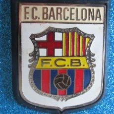Coleccionismo deportivo: ANTIGUA PLACA DE METAL DEL F.C.BARCELONA. Lote 276619093
