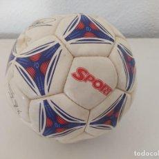 Coleccionismo deportivo: BALÓN DE FÚTBOL DIARIO SPORT BARÇA FIRMADO DE FABRICA POR LOS JUGADORES. Lote 276687353