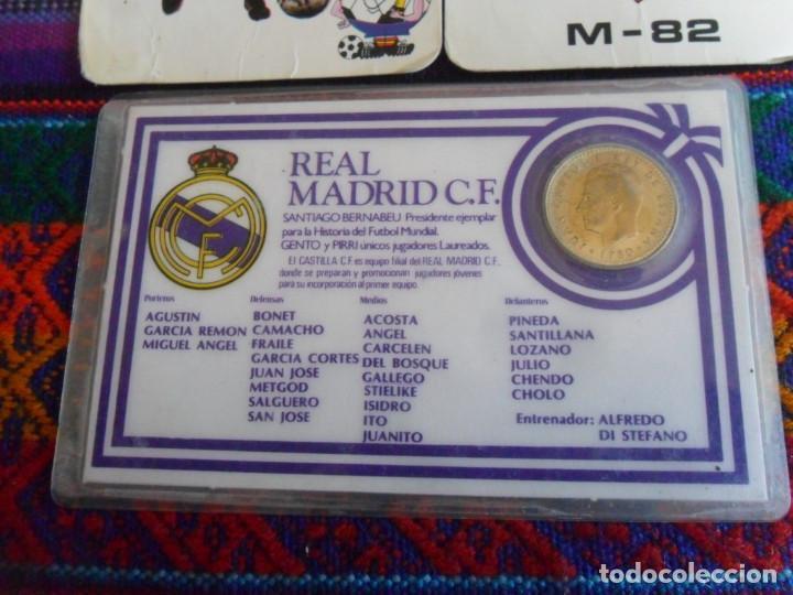 Coleccionismo deportivo: CARNET REAL MADRID MONEDA REY JUAN CARLOS I HISTORIAL PLANTILLA 1983 1984. REGALO 2 CALENDARIOS RARO - Foto 2 - 278230823