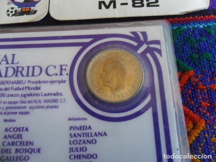 Coleccionismo deportivo: CARNET REAL MADRID MONEDA REY JUAN CARLOS I HISTORIAL PLANTILLA 1983 1984. REGALO 2 CALENDARIOS RARO - Foto 3 - 278230823