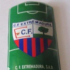 Coleccionismo deportivo: PLACA DE FUTBOL DEL EWXTREMADURA CON ANUNCIO DE COCA COLA. Lote 280488818