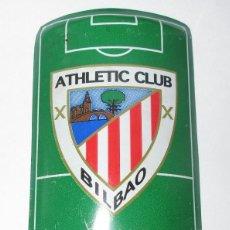 Coleccionismo deportivo: PLACA DE FUTBOL DEL ATLETIC CLUB BILBAO CON ANUNCIO DE COCA COLA. Lote 280488948