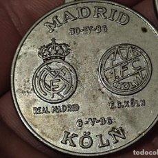 Coleccionismo deportivo: COLONIA KOELN UEFA 1986 REAL MADRID CAMPEON 3,5 CMS. Lote 288147308