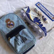 Coleccionismo deportivo: MINI MOCHILA + ESTUCHE BOTA + LAPICERO + BOLI 8 COLORES + REGLA REAL MADRID. Lote 288207178
